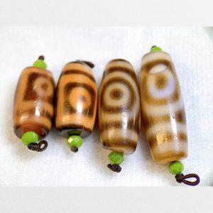 4 viên dzi bead 2 mắt hàng A thân ngọc tuyển chọn có 4 thiết kế vân khác nhau
