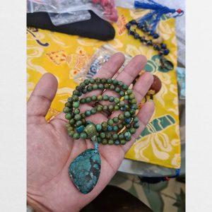 Chuỗi turquoise lam ngọc 108 hạt cổ mix cùng một miếng ngọc lam siêu lớn hàng độc bản