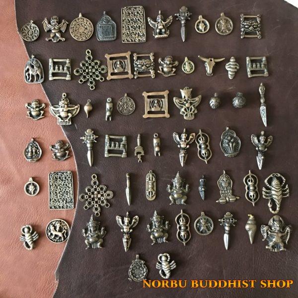 60 mặt thokcha tổng hợp bùa hộ mệnh của người Tây Tạng hàng thủ công cũ từ Lhasa Tibet
