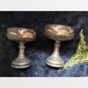 Đôi ly đồng cổ đựng nến đèn cúng dường ban thờ khắc họa tiết hoa sen mạ vàng