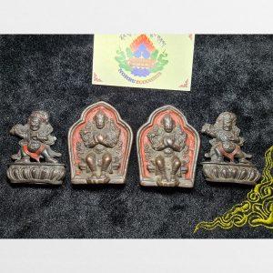 Mặt đồng đúc ngài Kim Cương Thủ và Phật Di Lặc theo truyền thống Kim cương thừa