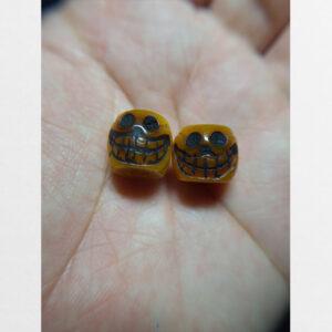 Đôi hạt mix xương yak khắc đầu lâu người thế hệ 4 từ Tibet