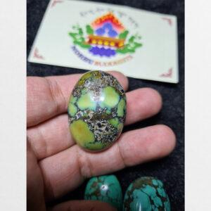 Một viên Turquoise lam ngọc cổ chất xanh từ Tibet hàng Antique sưu tầm hiếm có