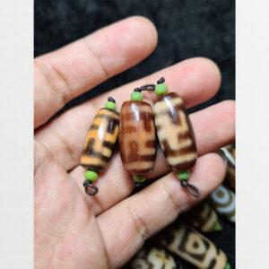 Dzi bead 3 viên chữ vạn đôi thân ngọc cỡ nhỏ hợp mix vòng tay