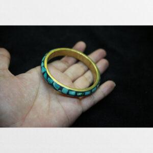 Vòng tay đồng khảm lam ngọc Tibet