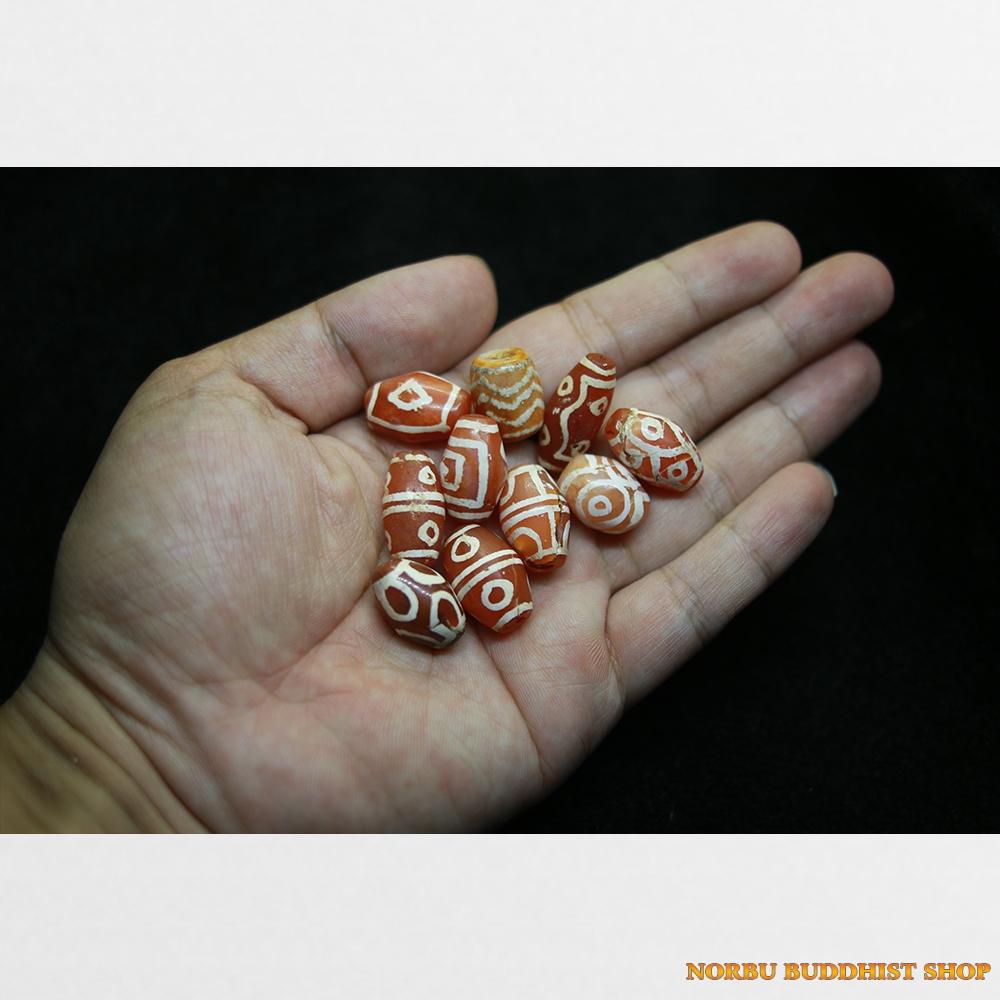 15 viên dzi bead carnelian thân đỏ vân trắng chất đẹp chất già