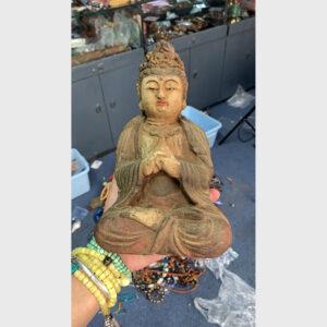 Tượng gỗ cũ ngài Quán Âm truyền thống Đại Thừa