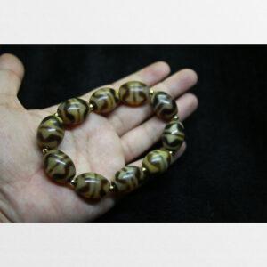 Vòng tay dzi bead răng hổ chất đẹp sưu tầm