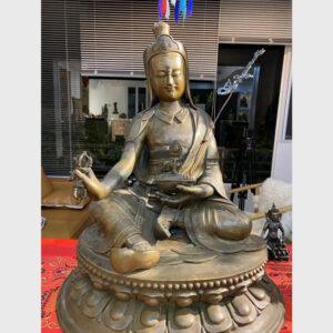 Khách đã thỉnh: Tượng cổ cỡ lớn ngài Guru Rinpoche tại Tibet