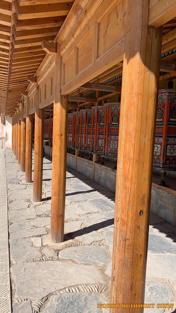 Kinh Luân Tây Tạng là gì và ý nghĩa tịnh hóa nghiệp chướng của pháp khí 3