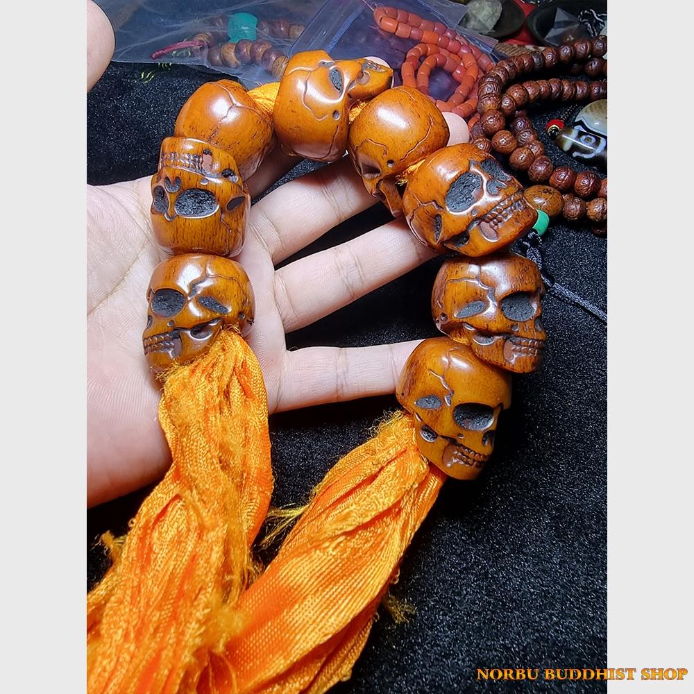 Vòng xương yak hình sọ để đeo tay hay quấn tượng trang trí