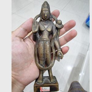 Khách đã thỉnh: tượng cổ ngài Quán Âm hiếm gặp