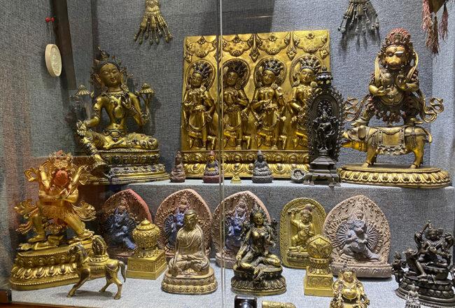Tại sao đồ đồng cổ Tây Tạng lại đắt giá như vậy?