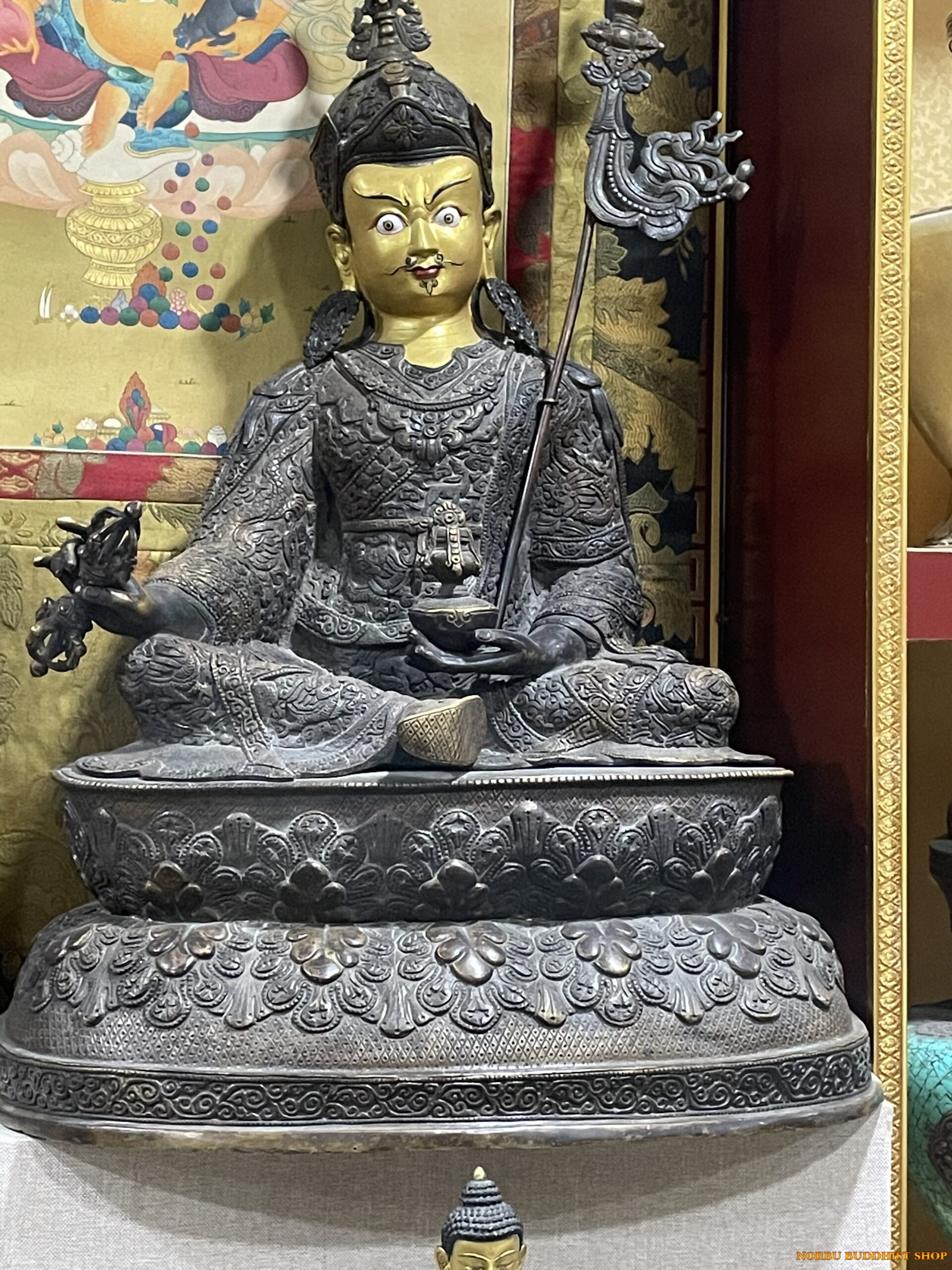 Tại sao đồ đồng cổ Tây Tạng lại đắt giá như vậy 8